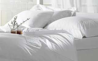 Белый пол и белая кровать