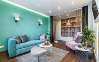 Белые стены бирюзовый диван