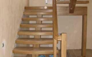 Простые деревянные лестницы на второй этаж
