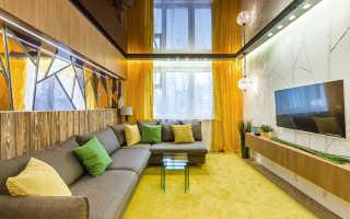 Натяжные потолки гостиная