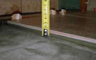 Толщина кафельной плитки для стен с клеем