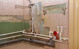 Прокладка пластиковых водопроводных труб